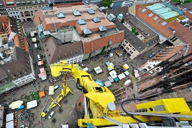 Am Münster ist von Montag an ein Riesenhubsteiger im Einsatz