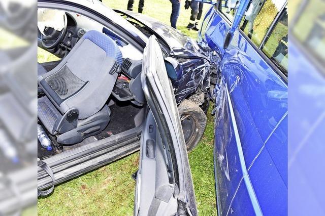 Unfall fordert drei Verletzte