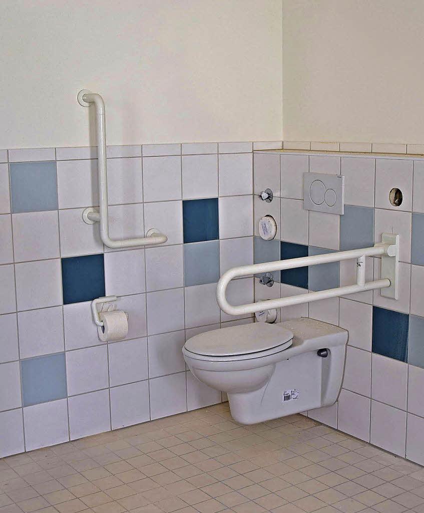 der wohnbereich ist sehr gelungen kollektive badische zeitung. Black Bedroom Furniture Sets. Home Design Ideas