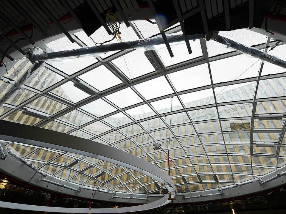 Komplexe Baustelle: Das neue Rathaus a...st nach wie vor auf Herbst terminiert.  | Foto: Ingo Schneider