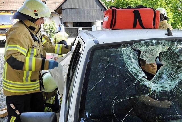 Warum die Feuerwehr immer mehr Freiburger aus