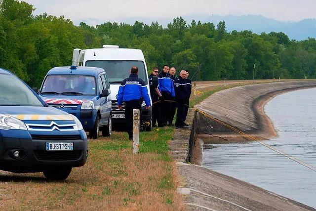 Vermisster Paraglider: Taucher finden eine Leiche im Rhein