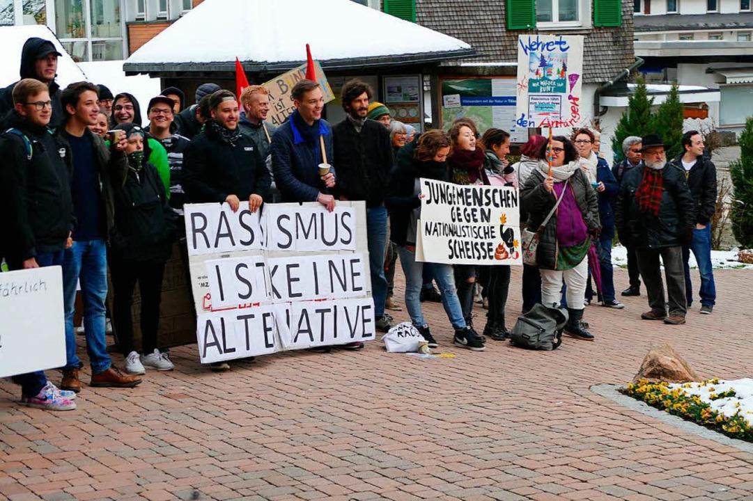 Protest in Titisee gegen die AfD.  | Foto: Tanja Bury