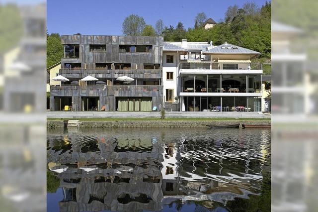 FLUCHTPUNKT: Wundersame Herberge am Fluss