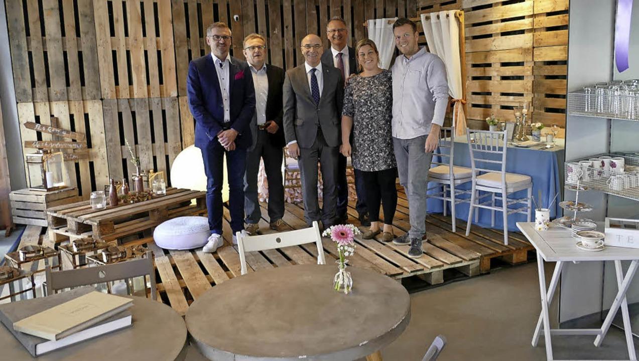 Diese fünf Herren und eine Dame brauch... Inhaber Anna-Maria und Dominic Rock.   | Foto: Aus Bernd Fackler