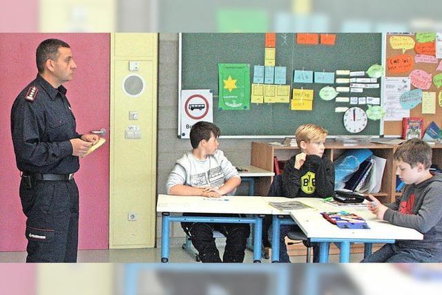 Feuerwehr wirbt um Schüler der Gemeinschaftsschule