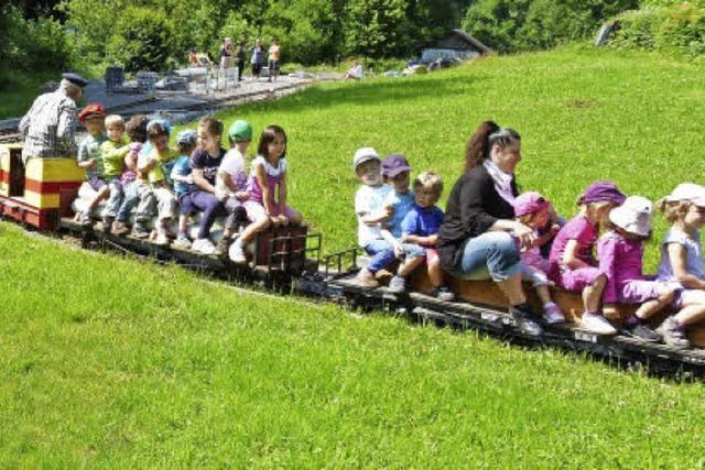 Der kleine Zug rollt wieder
