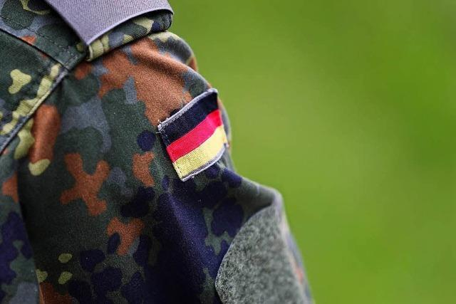 Soldat unter Terrorverdacht: Behörden stehen in der Kritik