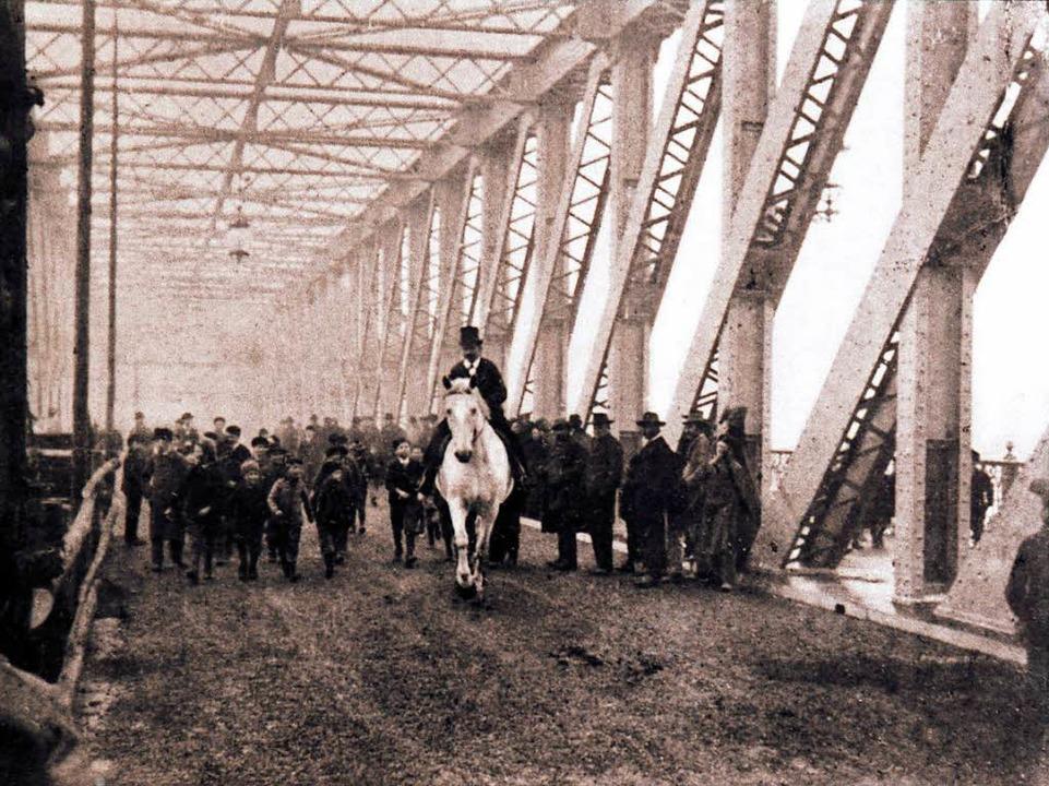 Einweihung hoch zu Ross: die damals neue Rheinbrücke 1897  | Foto: -