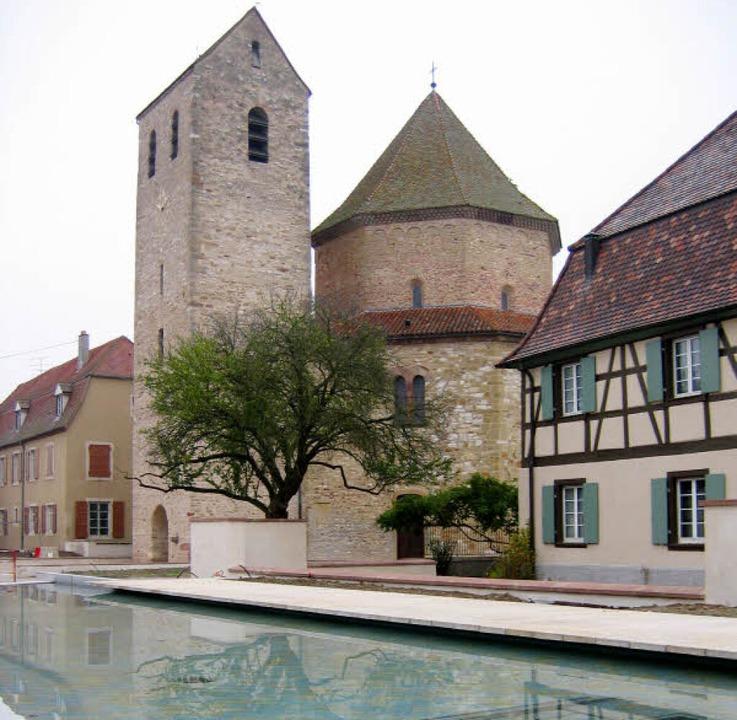 Ein  Schatz der romanischen Architektur: die Abteikirche von Ottmarsheim     Foto: Franz Schmider
