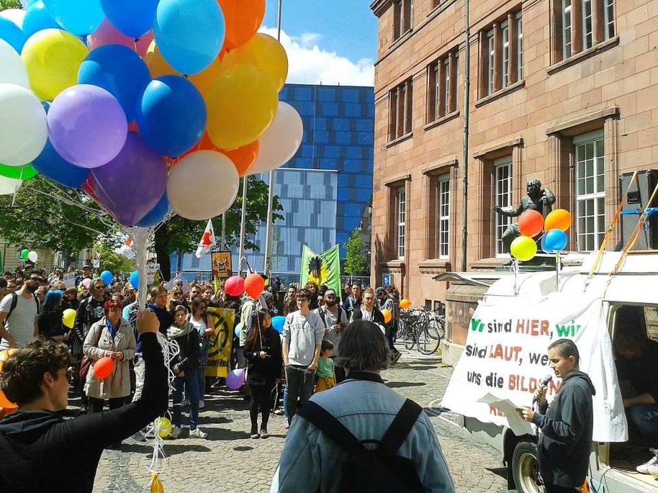 Protest gegen Studiengebühren auf dem Platz der Universität  | Foto: Fabian Vögtle