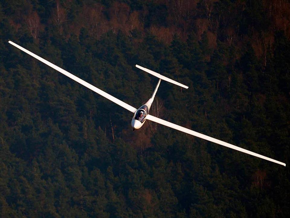 Bei Buchenbach sollen zwei Segelflugzeuge in der Luft einen Unfall gehabt haben.    Foto: dpa