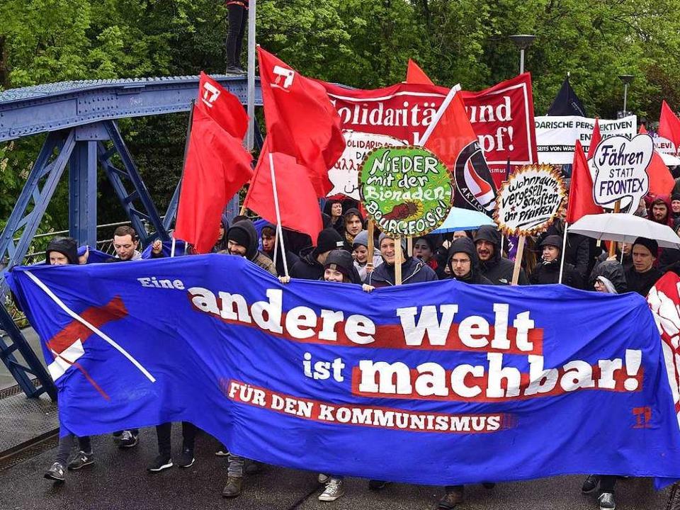 600 Menschen waren  der 1.Mai-Demo unterwegs.    Foto: Thomas Kunz