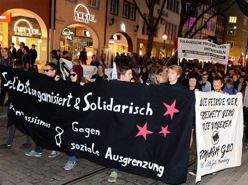 Demonstranten gingen bereits am Vorabend auf die Straße.    Foto: Rita Eggstein