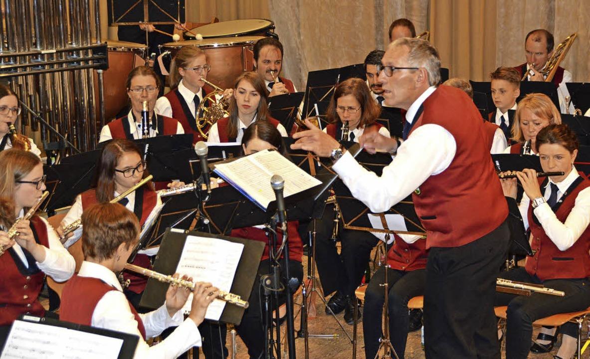 Der Musikverein Sexau begeisterte  bei...it einem abwechslungsreichen Programm.  | Foto: Helena Kiefer