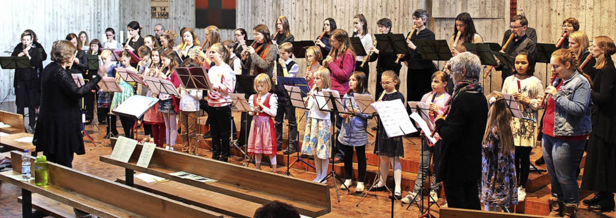 Erstmals bei den Großen dabei: sicherl...r die Musikschülerinnen und -schüler.   | Foto: Erich Krieger