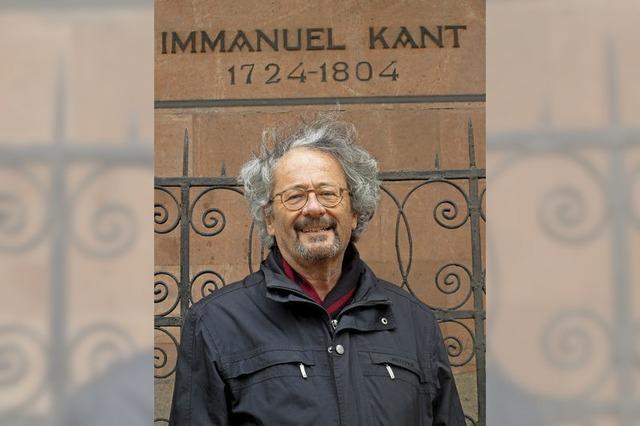 Jösel verteilt Kant-Hölzer