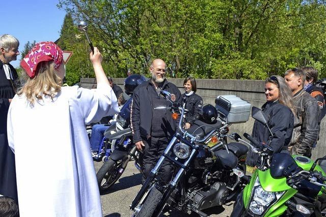 Für 130 Motorräder gab es kirchlichen Segen
