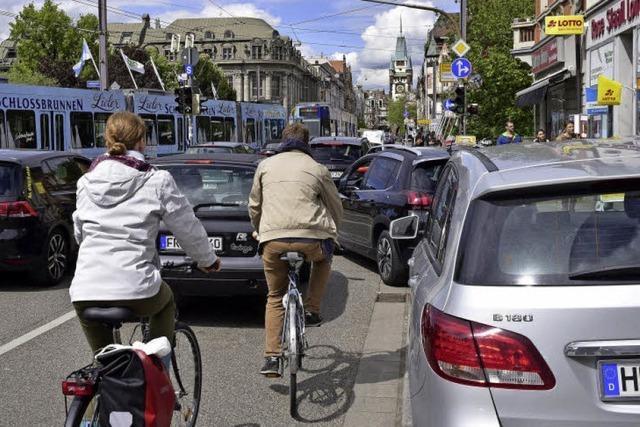 Radspur statt Parkplätze
