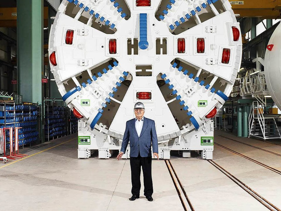 Martin Herrenknecht vor einem seiner Produkte   | Foto: PR