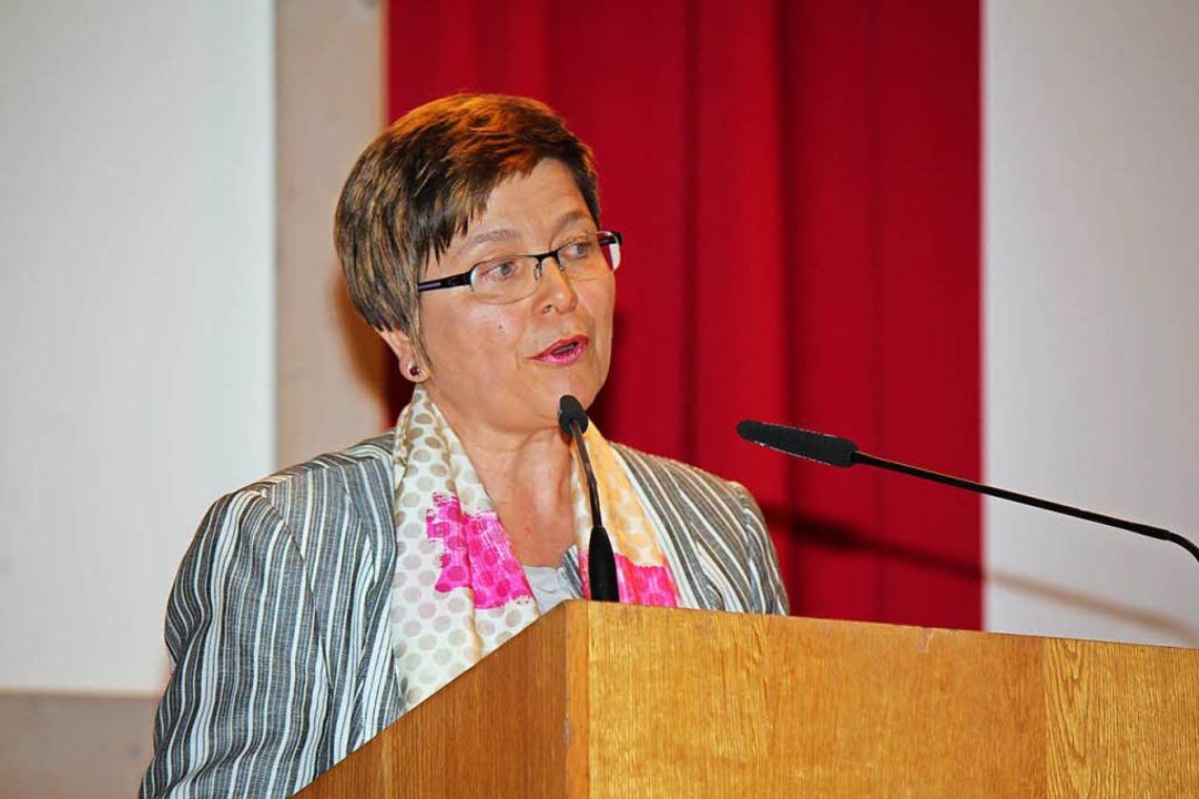 Beatrice Mall-Grob ist die diesjährige Trägerin der Hebel-Plakette.  | Foto: Anja Bertsch