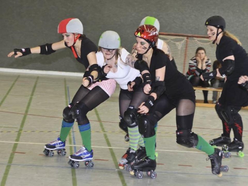 Roller Girls in Aktion    Foto: Benedikt Nabben