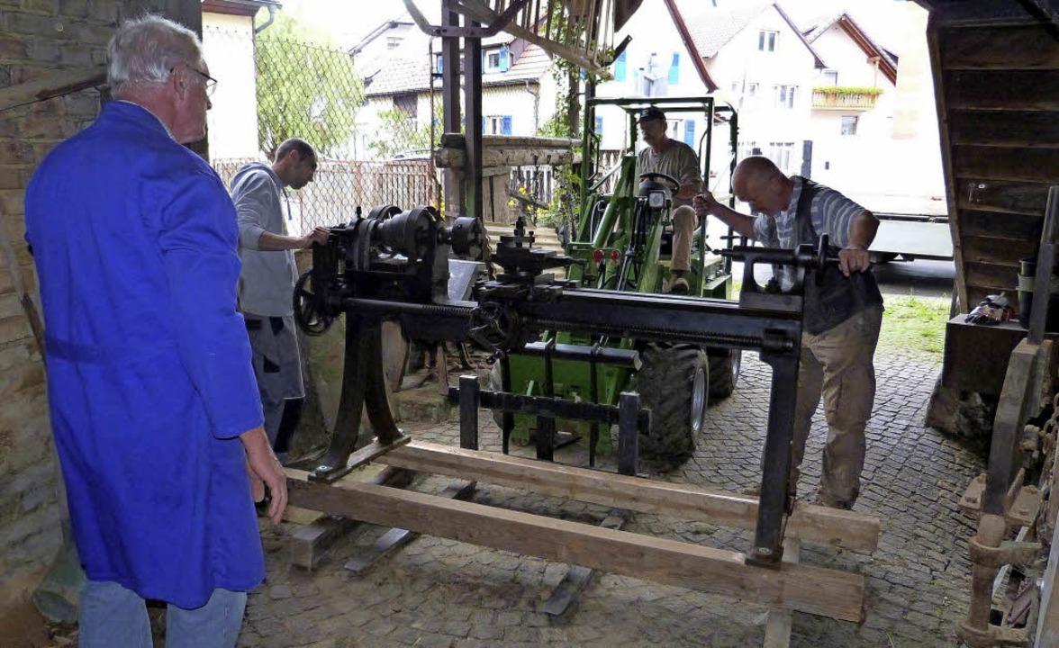 """Unter der Leitung von Franz Gänshirt w...#8222;Dammenmühle"""" umgesiedelt.     Foto: Dieter Fleig"""