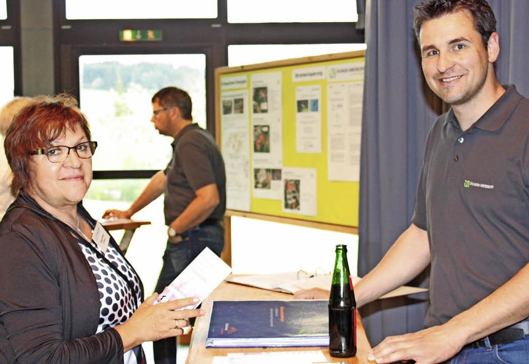 Gewerbevereinsvorsitzende Birgit Rüde ...hutzkonzept der Gemeinde informierten.  | Foto: Dorothée Kuhlmann
