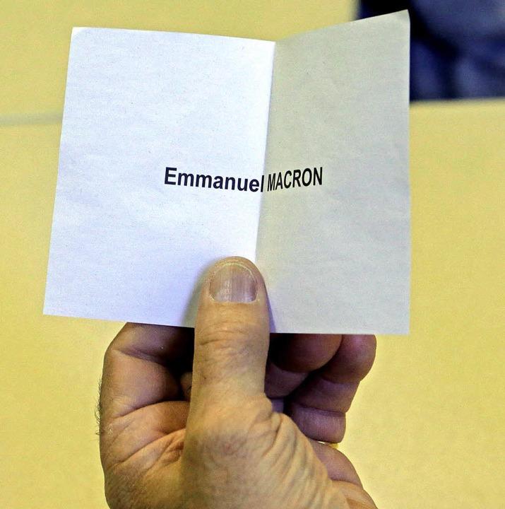 Eine Stimme für den späteren Wahlsieger   | Foto: dpa