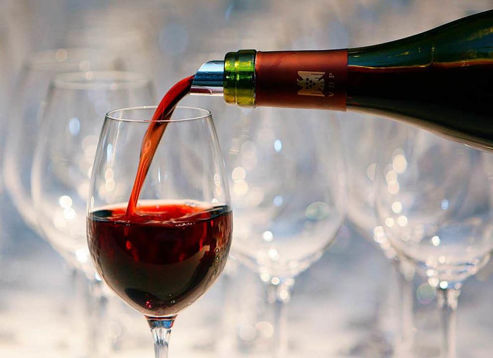 Etwa 990 Liter Wein und diverse andere...leintransporter entdeckt (Symbolbild).  | Foto: dpa