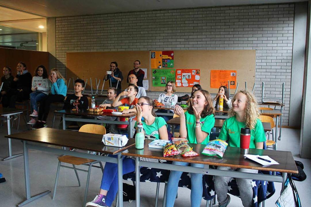 Die Klasse fieberte noch einmal mit, a...ie Aufzeichnung der Kika-Sendung ansah    Foto: Anja Bertsch
