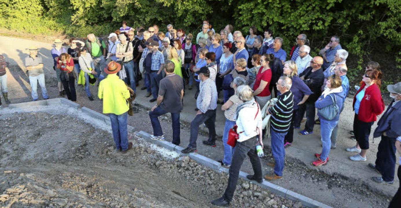 Großer Besucherandrang bei der Führung übers LGS-Gelände.    Foto: Christoph Breithaupt