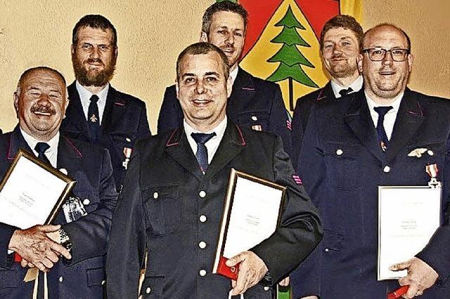 Zehn Brandeinsätze, 15 Hilfen und zahlreiche Übungen absolviert