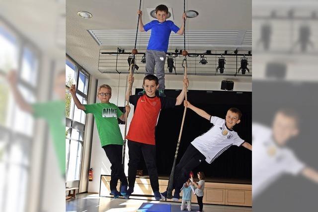 Schüler machen Zirkus und zeigen ihr Können