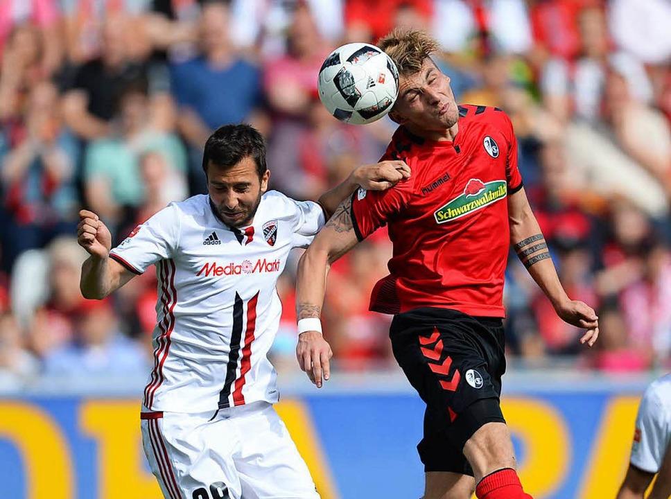 Am Schluss hat es der SC Freiburg noch...nnend gemacht gegen den FC Ingolstadt.  | Foto: dpa