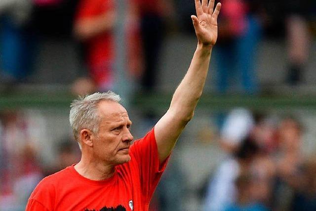 SC Freiburg feiert mit seinen Fans die erfolgreiche Saison