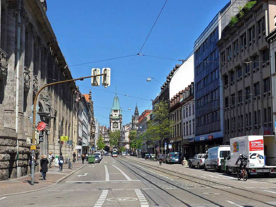 ...mit den Aktuellen vergleichen    Foto: Stadtarchiv