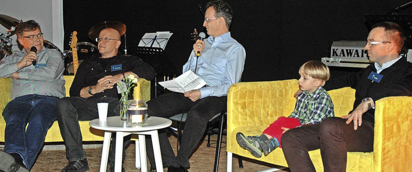 In der Regiogemeinde erklären Roger Br...was es heißt, eine Freikirche zu sein.  | Foto: Regine Ounas-Kräusel