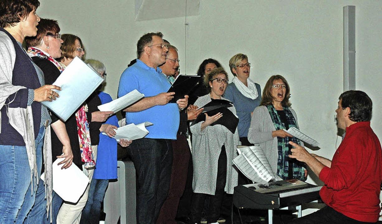 In der Kirche Sankt Maria lud der Sing...hen Kirche Sankt Georg eröffnet hatte.  | Foto: OUNAS-KRÄUSEL
