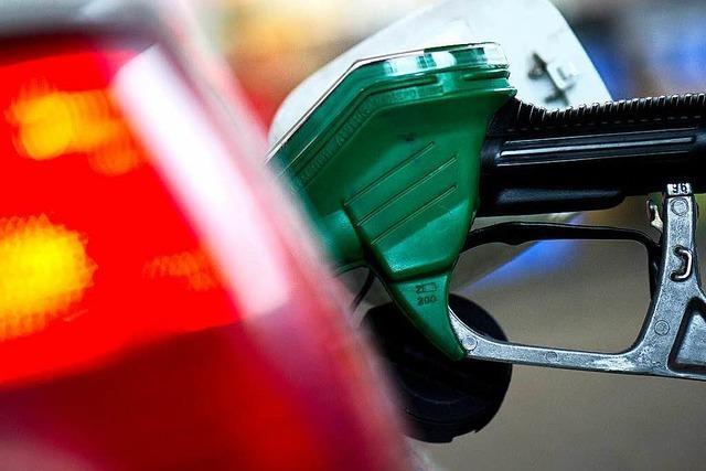 Räuber überfällt Tankstelle und wird später gefasst