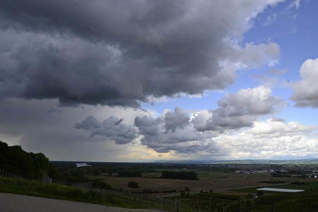 Dunkle Wolken über der Region