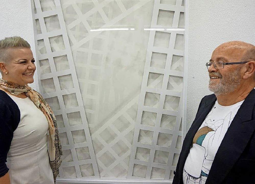 Künstler Gerhard Birkhofer mit Tochter Angela als Laudatorin  | Foto: A. Freyer