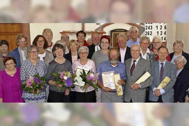 Langjährige Sängerinnen und Sänger