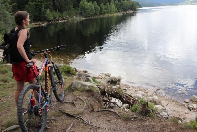 Schweißtreibend, aber der Mühe wert: Seenradweg im Hochschwarzwald
