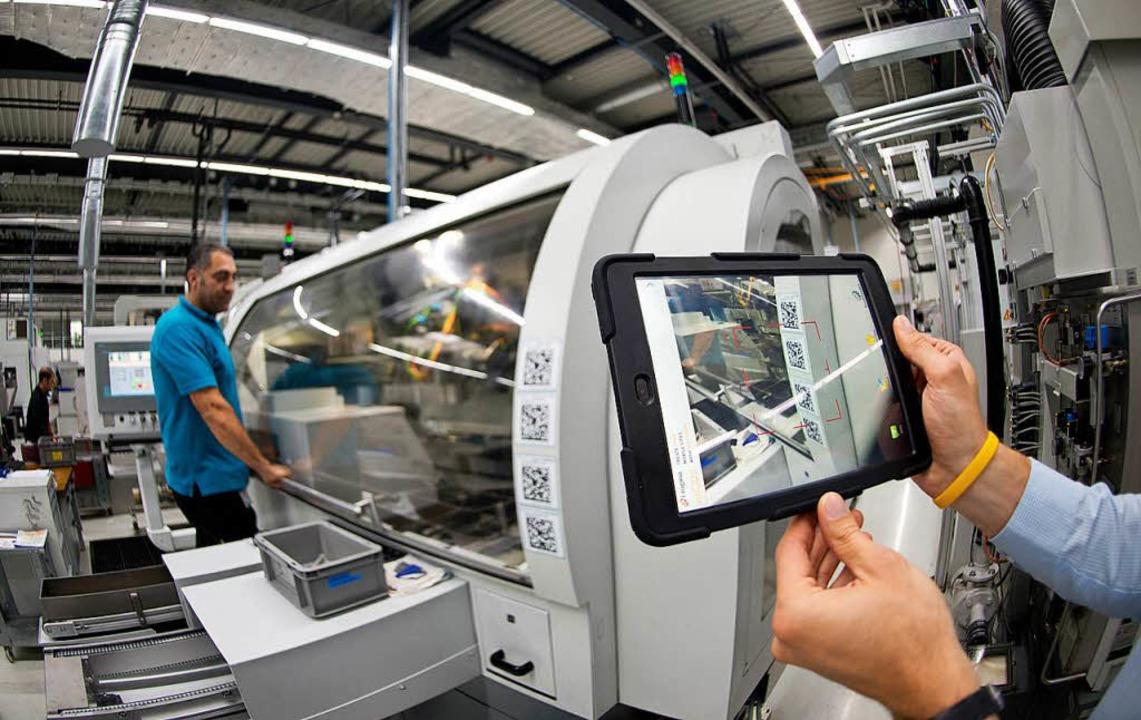Große Unternehmen wie Bosch setzen zum Beispiel auf die vernetzte Fertigung.  | Foto: Bernd Weißbrod