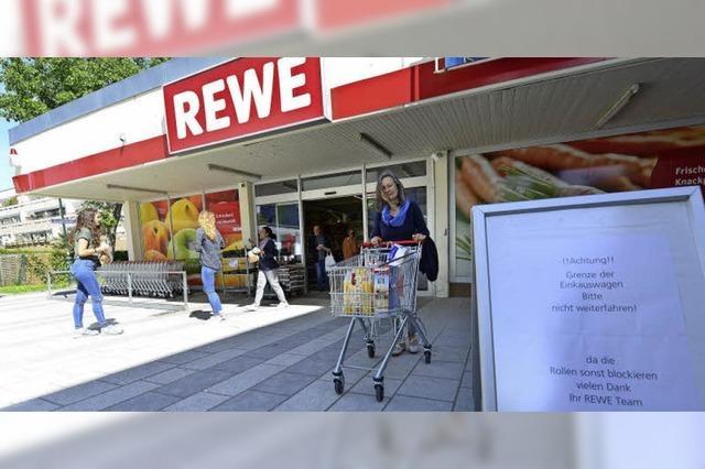 Auch Weingartener Rewe verhindert Einkaufswagen-Klau