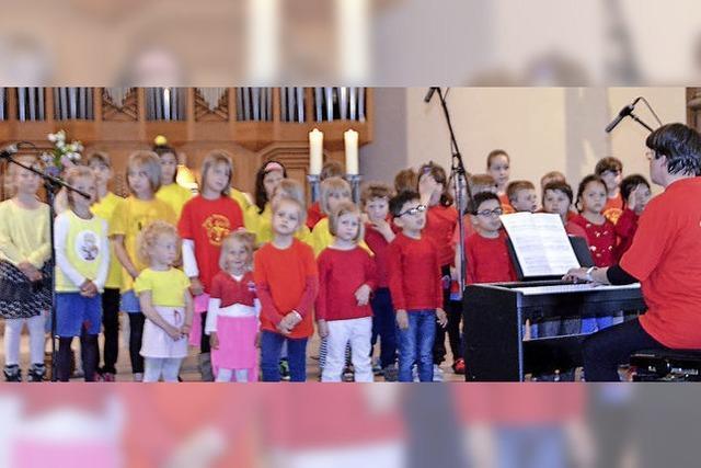 Kinder besingen die Reformation
