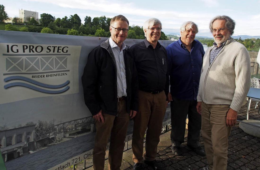 Kämpfen  für den Steg (von links): Sta...tta, Peter Scholer und Wolfgang Bocks   | Foto: Boris Burkhardt