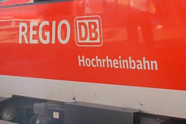 Pannenzug führt zu Stau in Bad Säckingen – Reisende sitzen zwei Stunden fest
