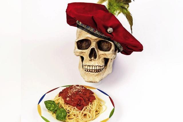 Hamlet stirbt ... und geht danach Spaghertti essen im Ali-Theater Tiengen